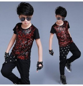 Black red patchwork sequins boys kids children short sleeves competition performance jazz singer ds drummer dancing tops t shirts harem pants