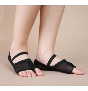 Black flesh colored cheap heel protector belly dance ballet dancing toe pad foot thong socks shoes