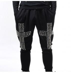 Black with rivet cross pattern men's male competition hip hop jazz singers pun rock performance harem pants