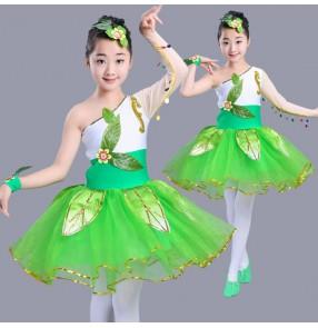 Green white patchwork sequins one shoulder sleeves girls kids children school kindergarten modern dance performance cos play dance costumes dresses outfits
