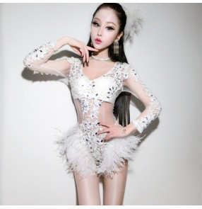 White hollow lace with ostrich feather patchwork women's stage performance night club dancers singers jazz dancing bodysuits leotards