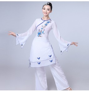 Women's Chinese folk dance costumes for women female ancient traditional yangko white and blue china style drama fan dancing tops and pants