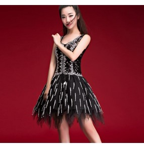 Black sequined women's girl's modern dance solo singers dancers night club bar stage performance jazz dance dresses