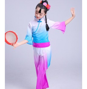 Girls Chinese folk dance costumes fuchsia gradient colored kids children ancient stage performance fan yangko dancing outfits