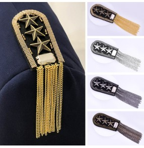 2pcs British vintage clothing metal fringed epaulettes performance dance clothes shoulder accessories five-pointed star medal for men and women brooches