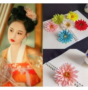 2pcs Chinese Hanfu fairy dress daisy flower hairpin for women girls blue pink chrysanthemum princess cosplay headdress antique flower hair ornament hair accessory