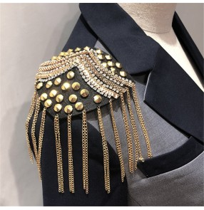 2pcs Rivet fringed Epaulettes for women and men Personality Suit Tassel Jewelry Handmade Beads Clothing Accessories jazz dance stage performance  Epaulettes
