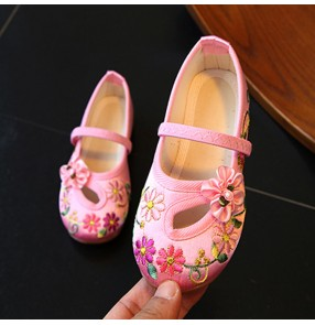 Embroidery Flower Shoes For Girl Children Folk Dancing Girls stage performance professional dancing Shoes Slip-on Floral Flats Casual Kids Shoes