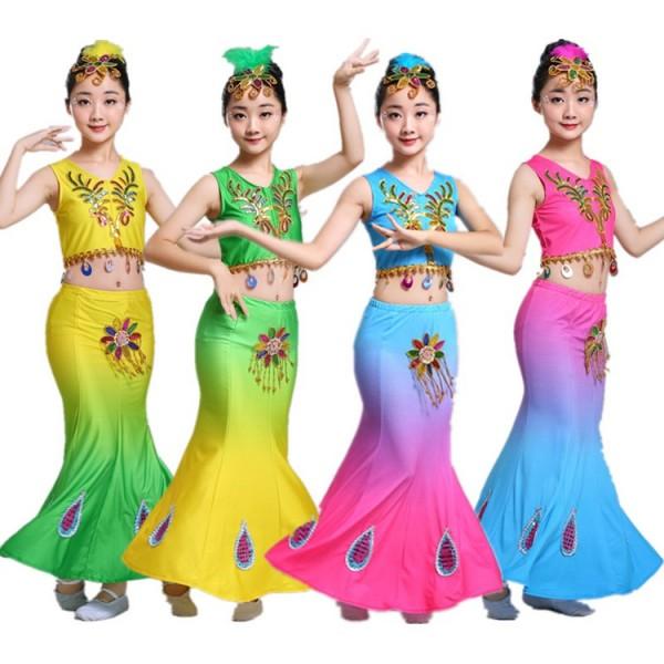 ce21bec42a118 Children Indian Traditional dance Dress Sequins Belly Dance Costume Girls  Peacock dance Kids Dai Fish Tail Girl Dance wears