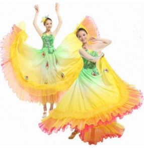 flamenco Non green and yellow patchwork rainbow colored  spanish folk dance modern performance opening chorus dancing dresses outfits costumes