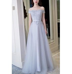 Silver gray lace appliques dew shoulder short sleeves A line women's ladies female wedding party brides formal evening dresses special occasion celebration long length bridesmaid dresses vestidos gown dance wear