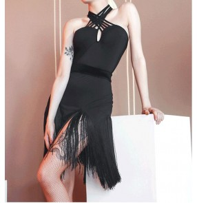 Black Fringed latin dance dress for women tassels latin dance skirt Sexy Halter Dance Dress with velvet belt modern Latin salsa rumba chacha Dance Practice Dress