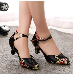Black with floral Latin dance shoes adult ladies high-heeled soft-soled dance shoes square ballroom waltz tango dance shoes