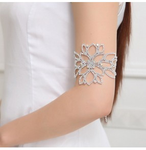 Bridal Diamond Wide Bracelet Arm Chain Bracelet bling Fashion Accessories for women Chaîne de bras de mariée