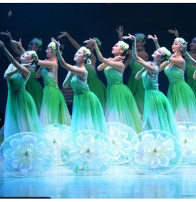 Chinese Classical folk dance costumes female oriental song and dance troupe Jasmine blossoms dance costume Chinese style umbrella fan dance dresses