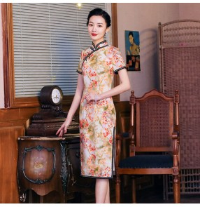 Chinese dresses traditional Chinese qipao dresses oriental floral retro dresses show photos miss etiquette cheongsam dress