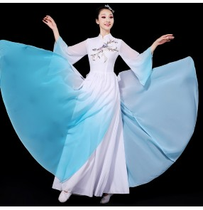 Chinese folk Classical dance costume qipao dresses blue with white gradient colored female Chinese style umbrella dance performance costume fan dance dance costume suit