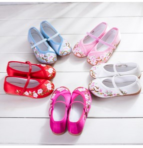 Embroidery Flower Shoes For Girl Children Folk Dancing Girls Shoes Slip-on Floral Flats Casual Kids Shoes