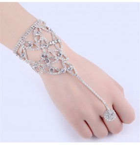 Fashion jewelry rhinestones rings bracelet for wedding party bridal photos shooting stage performance rings chain bracelet for female