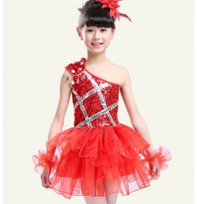 Red fuchsia hot pink royal blue colored girls kids child children kindergartens toddlers paillette  sequined one shoulder sleeveless stage performance modern dance jazz dance party cos play party dance costumes dresses