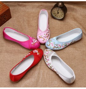 Ladies flat embroidered shoes empress performance shoes women chinese Ancient traditional style women tang han dynasty princess fairy hanfu Satin casual shoes