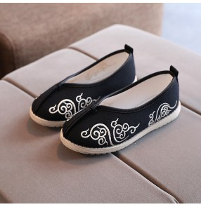 Old Beijing handmade children embroidered shoes Chinese style boys emperor sordsman cosplay Hanfu shoes wushu dance performance shoes canvas shoes
