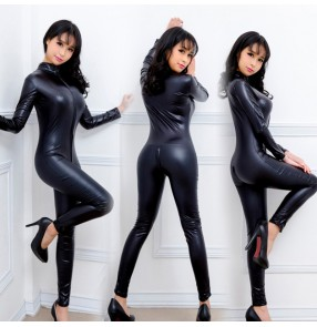 Sexy lingerie uniform temptation one-piece leather Jumpsuits with long zipper body shaping patent photos shooting leather policewoman
