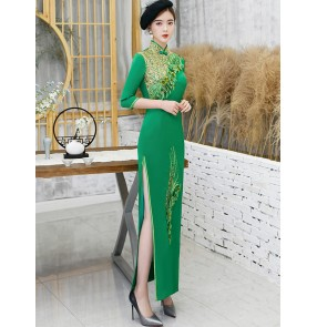 Women green colored chinese dresses oriental traditional qipao dresses host singers cheongsam miss etiquette show dresses
