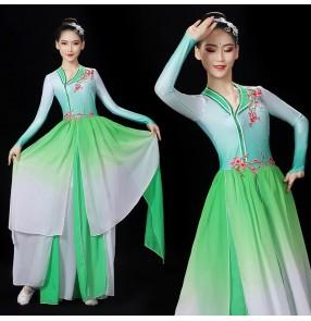 Women pink green red chinese folk Classical dance costume fan umbrela yangko dance costumes fairy dress gradient hanfu chinese ethnic opening dance dress for women