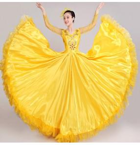 Women's flamenco ballroom dancing dresses red yellow chorus singers opening Spanish bull dancing skirt costumes
