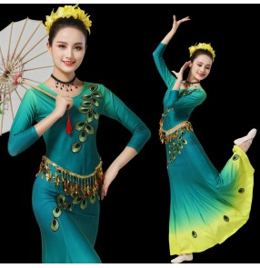 Women's Green gradient colored peacock dance performance dress Dai dance costume ethnic cucurbit dance costumes belly dance dress for female